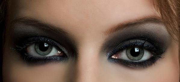 Souvent Maquillage yeux verts : nos conseils pour illuminer votre regard  EX83