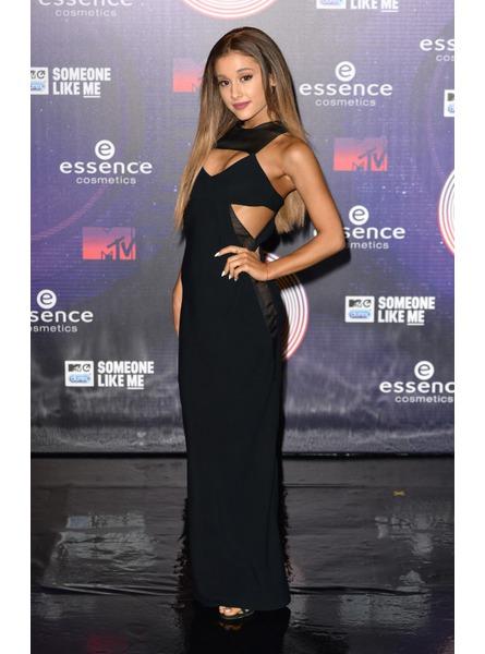 Ariana-Grande_reference2