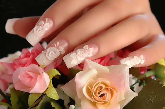 pretty wedding manicure with 3d flowers -nails art