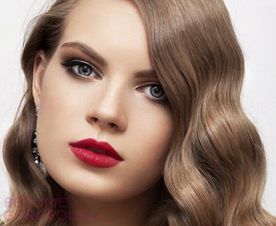 embedded_red-lip-makeup-for-christmas