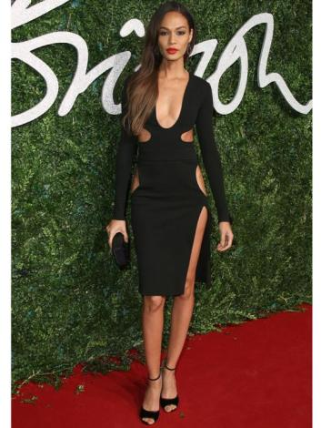 Joan-Smalls-en-robe-sexy-Tom-Ford