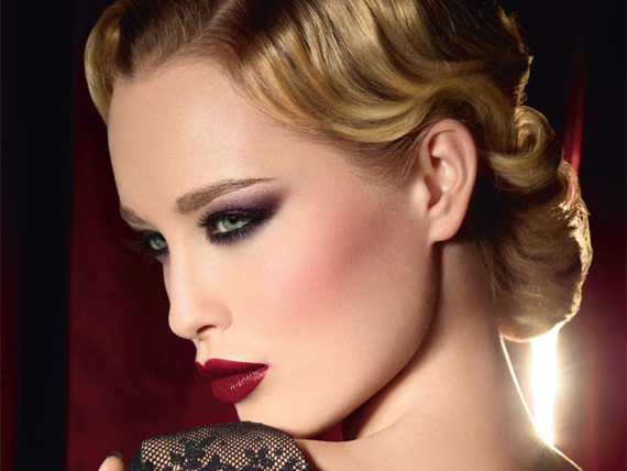 red-lips-blonde-570