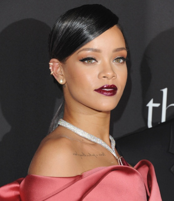 rihanna_249027650_north_607x