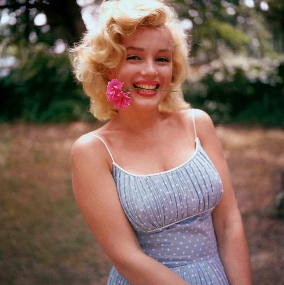 Photo 3 of Marilyn Monroe