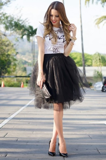 Black-Organza-Midi-Skirt-Outfit