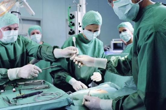 tumeur-chirurgien