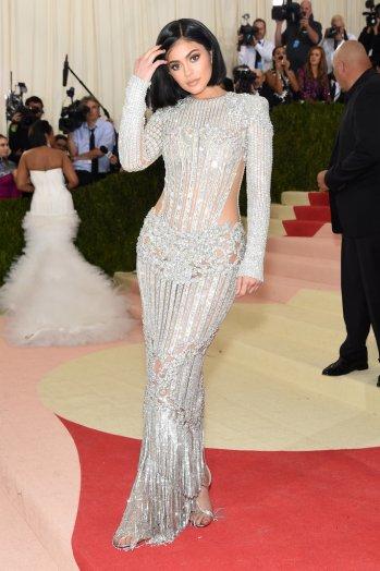Kylie-Kendall-Jenner-Met-Gala-2016