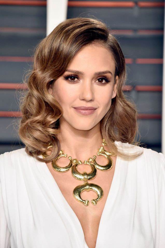 jessica-alba-vanity-fair-oscar-2016-party-in-beverly-hills-ca-1