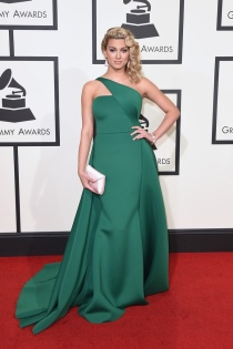 tori-kelly-green-gauri-nainika-dress-2016-grammys